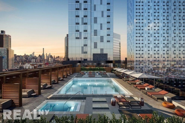 3 Bedrooms, Long Island City Rental in NYC for $5,954 - Photo 1