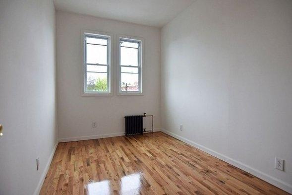 3 Bedrooms, Ridgewood Rental in NYC for $2,495 - Photo 2