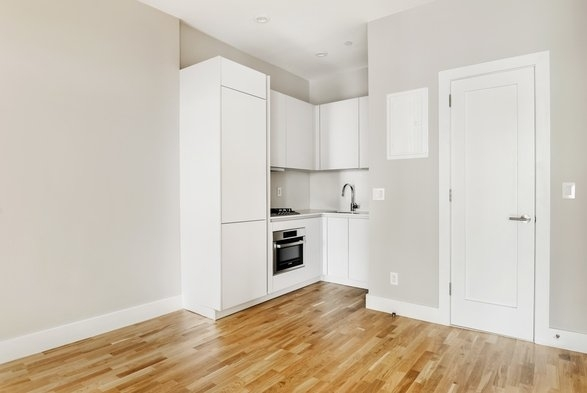 1 Bedroom, South Slope Rental in NYC for $2,693 - Photo 2