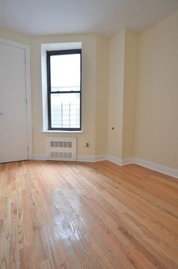 Room, Washington Heights Rental in NYC for $975 - Photo 2