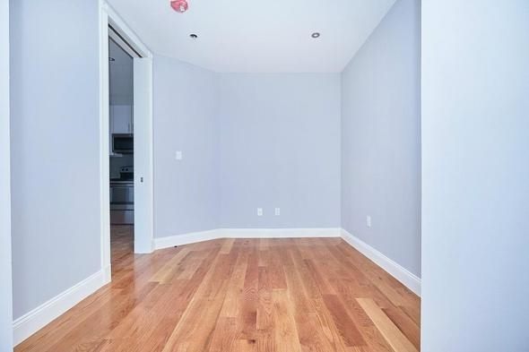 2 Bedrooms, Hudson Heights Rental in NYC for $2,208 - Photo 2