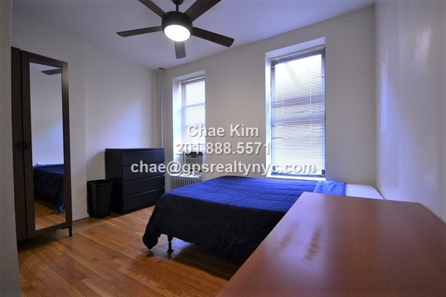 2 Bedrooms, Hell's Kitchen Rental in NYC for $2,650 - Photo 1