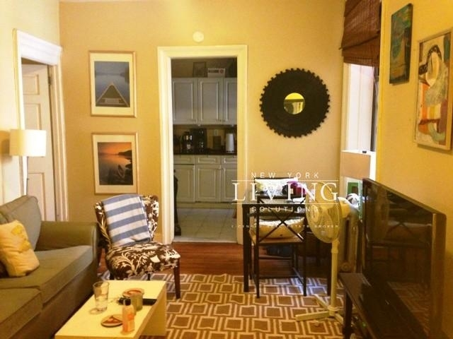 2 Bedrooms, Chelsea Rental in NYC for $3,998 - Photo 2
