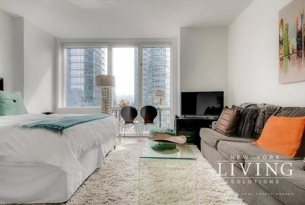 Studio, Theater District Rental in NYC for $3,370 - Photo 1