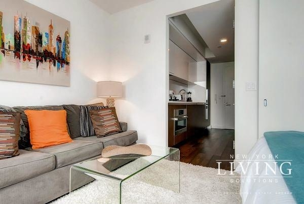Studio, Theater District Rental in NYC for $3,370 - Photo 2