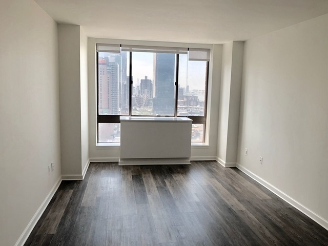 1 Bedroom, Hell's Kitchen Rental in NYC for $3,985 - Photo 1