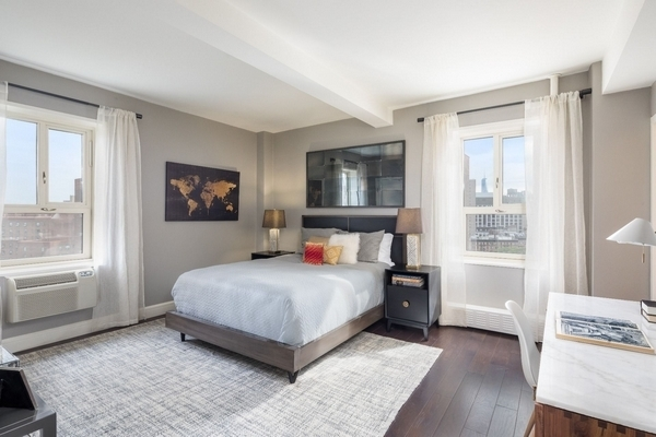 3 Bedrooms, East Village Rental in NYC for $6,198 - Photo 2