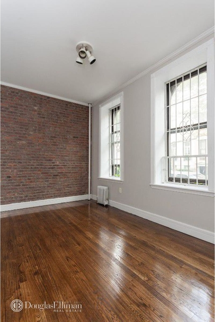 2 Bedrooms, Gramercy Park Rental in NYC for $4,496 - Photo 2