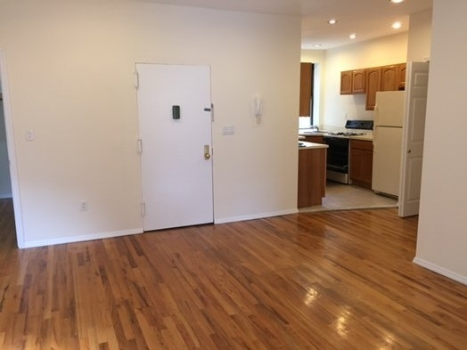 Room, East Harlem Rental in NYC for $1,300 - Photo 2