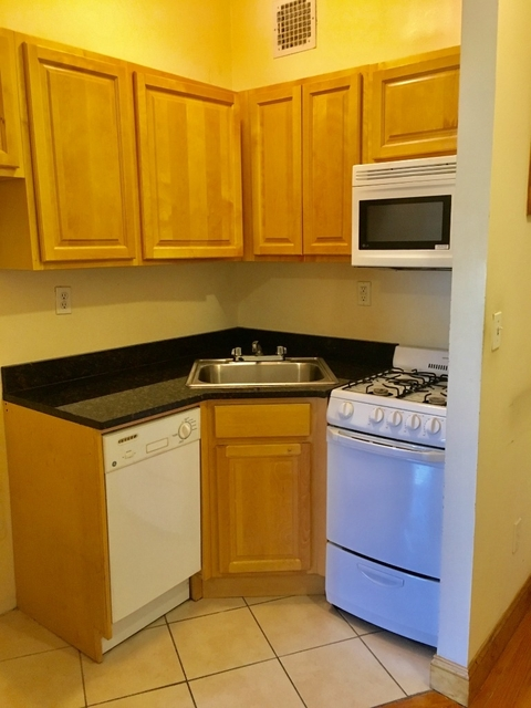 Studio, Hell's Kitchen Rental in NYC for $2,690 - Photo 2