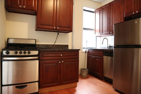 2 Bedrooms, Williamsburg Rental in NYC for $2,095 - Photo 2