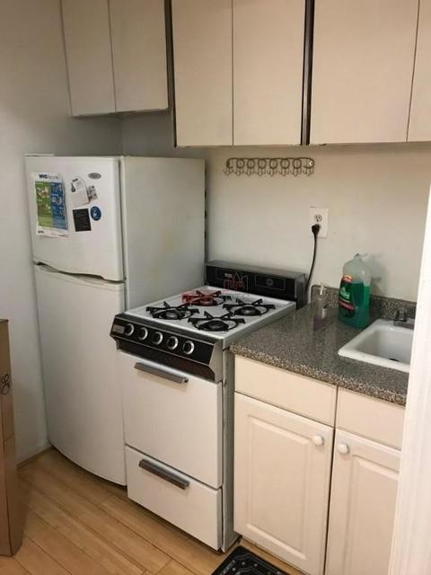 1 Bedroom, Tudor City Rental in NYC for $3,400 - Photo 2