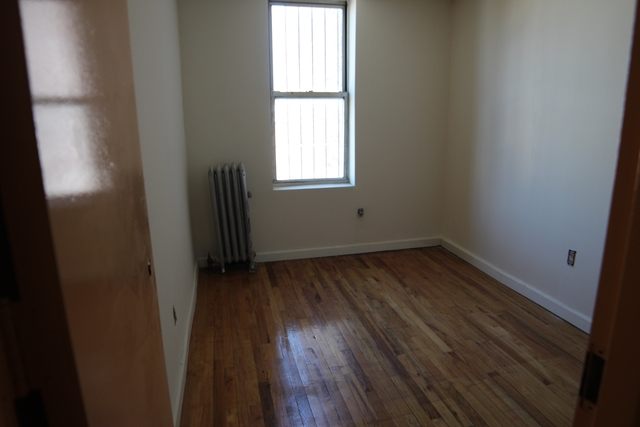 5 Bedrooms, Borough Park Rental in NYC for $3,300 - Photo 1