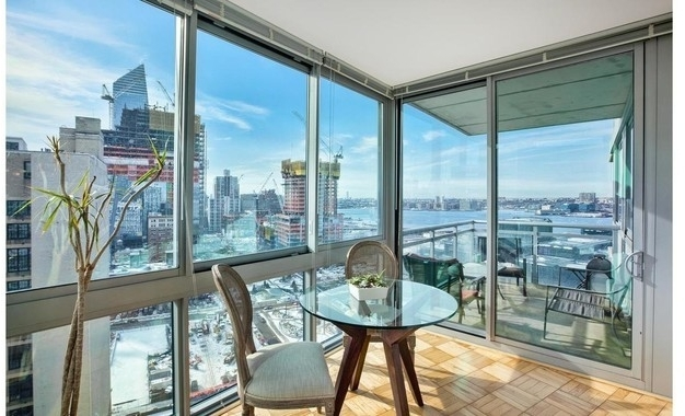 3 Bedrooms, Hell's Kitchen Rental in NYC for $4,300 - Photo 1