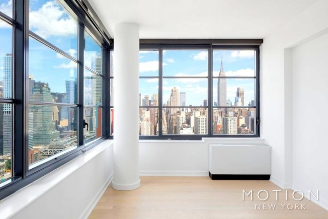 2 Bedrooms, Hell's Kitchen Rental in NYC for $5,564 - Photo 2