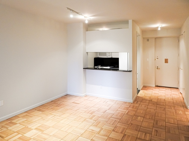1 Bedroom, Murray Hill Rental in NYC for $3,387 - Photo 2