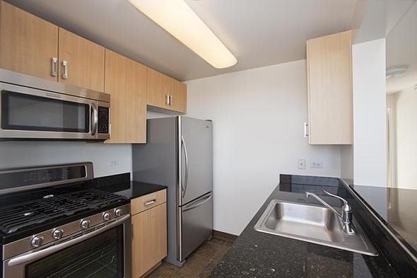 Studio, Hell's Kitchen Rental in NYC for $3,092 - Photo 2