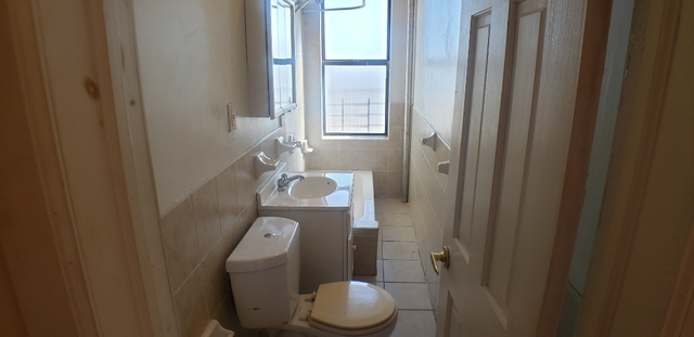 1 Bedroom, Unionport Rental in NYC for $1,550 - Photo 2