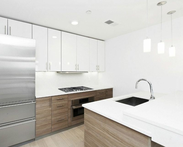3 Bedrooms, Financial District Rental in NYC for $10,285 - Photo 2