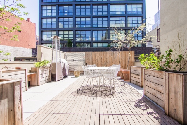 2 Bedrooms, SoHo Rental in NYC for $8,100 - Photo 1