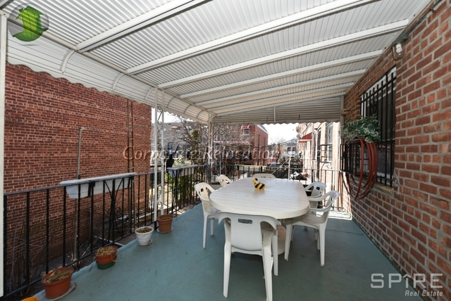 3 Bedrooms, Jackson Heights Rental in NYC for $2,700 - Photo 1