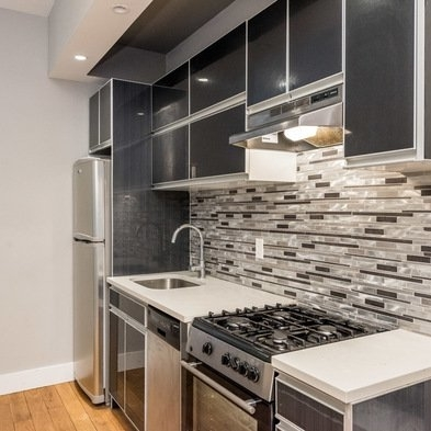 3 Bedrooms, Crown Heights Rental in NYC for $2,660 - Photo 2