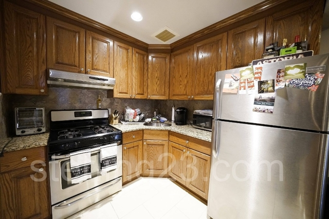 2 Bedrooms, Ditmars Rental in NYC for $2,850 - Photo 1
