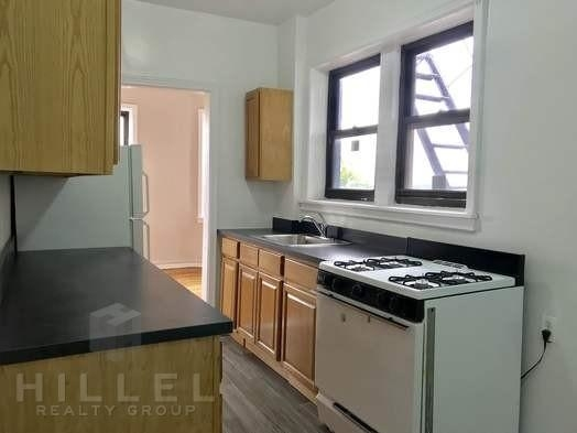 2 Bedrooms, Jackson Heights Rental in NYC for $2,550 - Photo 2