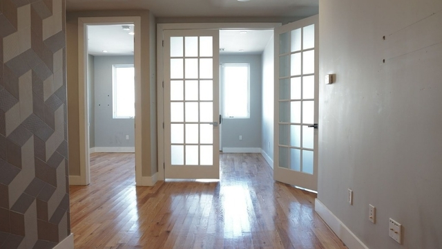 Room, Williamsburg Rental in NYC for $1,100 - Photo 2