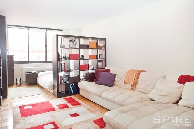 3 Bedrooms, Upper East Side Rental in NYC for $4,489 - Photo 1