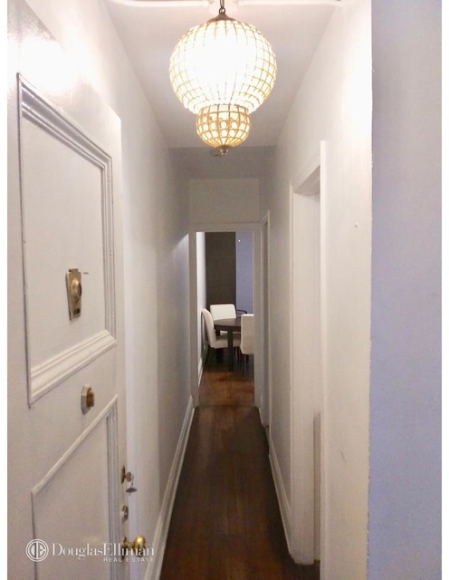 2 Bedrooms, Tudor City Rental in NYC for $3,600 - Photo 2