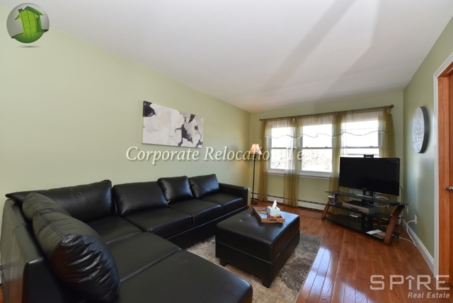 3 Bedrooms, Jackson Heights Rental in NYC for $2,600 - Photo 2