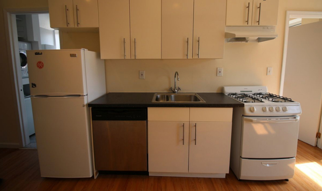 4 Bedrooms, Bowery Rental in NYC for $6,000 - Photo 2