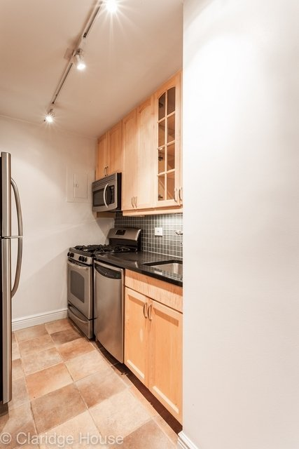 2 Bedrooms, Yorkville Rental in NYC for $5,999 - Photo 2