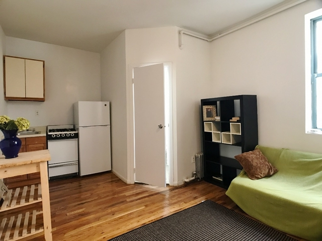 Studio, Lincoln Square Rental in NYC for $1,585 - Photo 2