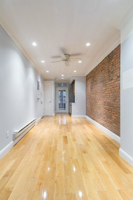 2 Bedrooms, Alphabet City Rental in NYC for $4,242 - Photo 1