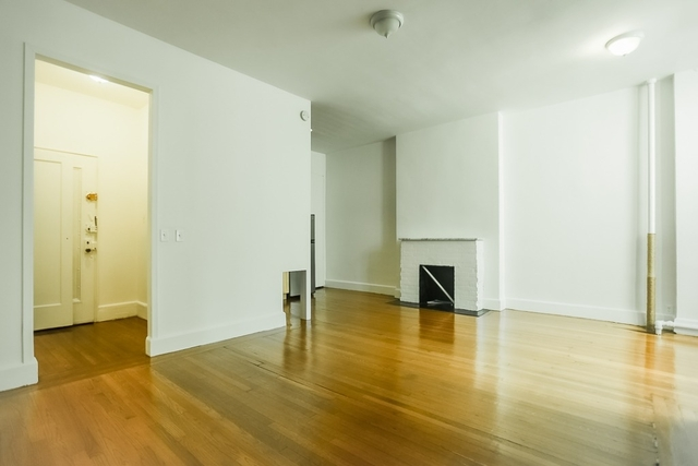 1 Bedroom, Lenox Hill Rental in NYC for $3,400 - Photo 2