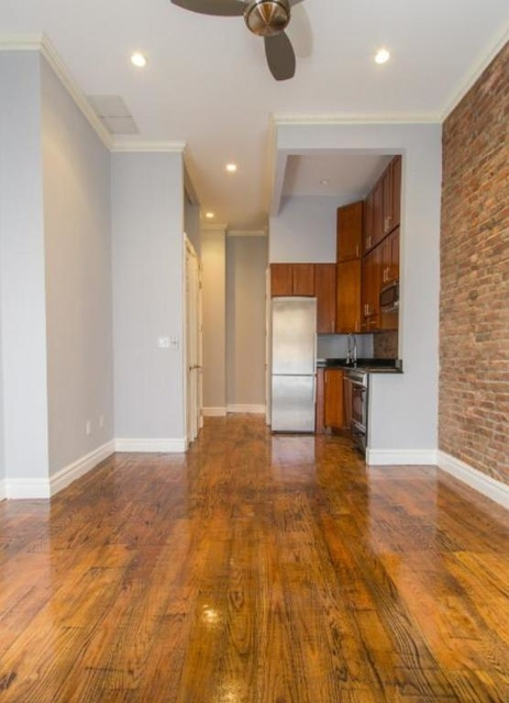 1 Bedroom, West Village Rental in NYC for $3,132 - Photo 2