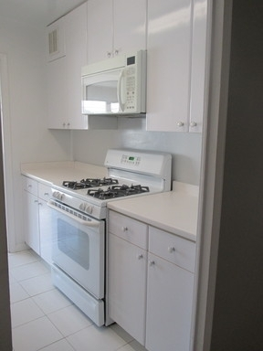 2 Bedrooms, Upper East Side Rental in NYC for $5,850 - Photo 2