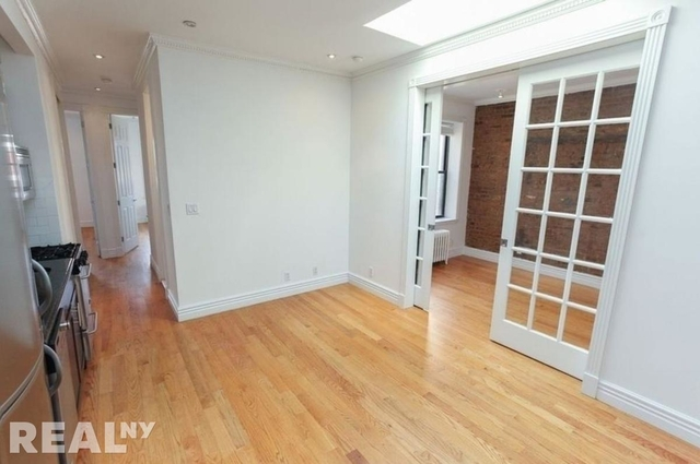 3 Bedrooms, Alphabet City Rental in NYC for $5,695 - Photo 2