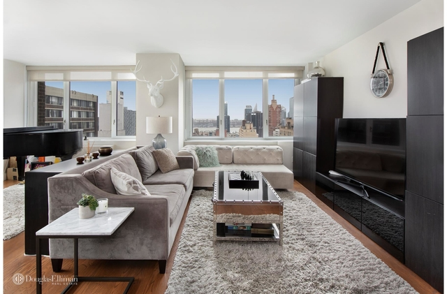 2 Bedrooms, Hell's Kitchen Rental in NYC for $9,495 - Photo 2