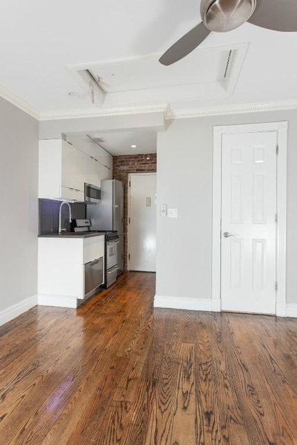1 Bedroom, West Village Rental in NYC for $3,227 - Photo 2