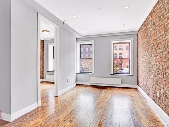 3 Bedrooms, East Village Rental in NYC for $4,470 - Photo 2