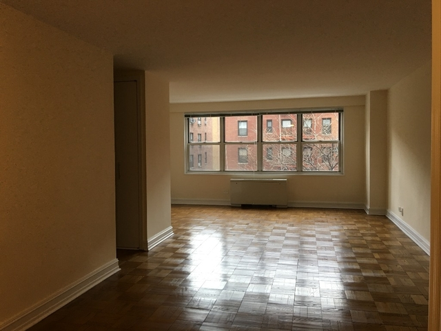 1 Bedroom, Theater District Rental in NYC for $2,750 - Photo 2