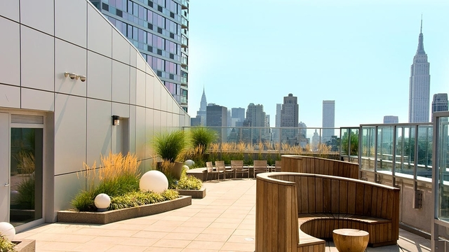 2 Bedrooms, Hell's Kitchen Rental in NYC for $3,754 - Photo 1