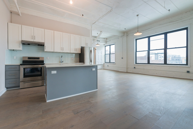2 Bedrooms, Williamsburg Rental in NYC for $4,250 - Photo 1