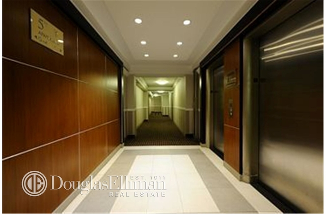 2 Bedrooms, Upper East Side Rental in NYC for $5,325 - Photo 2