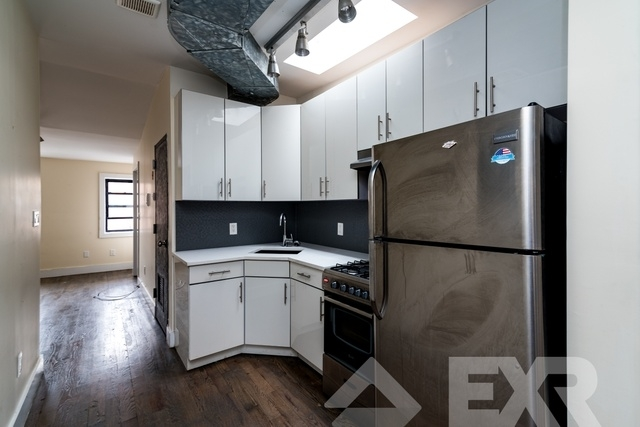 3 Bedrooms, Bedford-Stuyvesant Rental in NYC for $2,398 - Photo 2