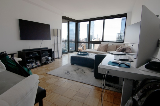 1 Bedroom, Hell's Kitchen Rental in NYC for $3,930 - Photo 1