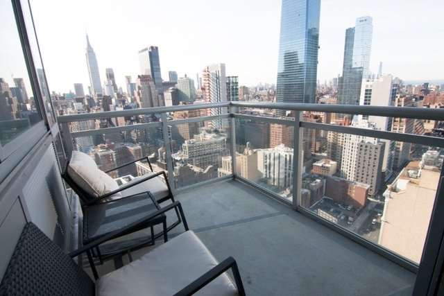1 Bedroom, Hell's Kitchen Rental in NYC for $3,930 - Photo 2